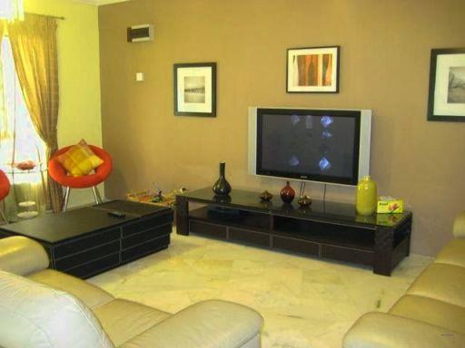 Ruang Tamu Minimalis Warna Kuning 1