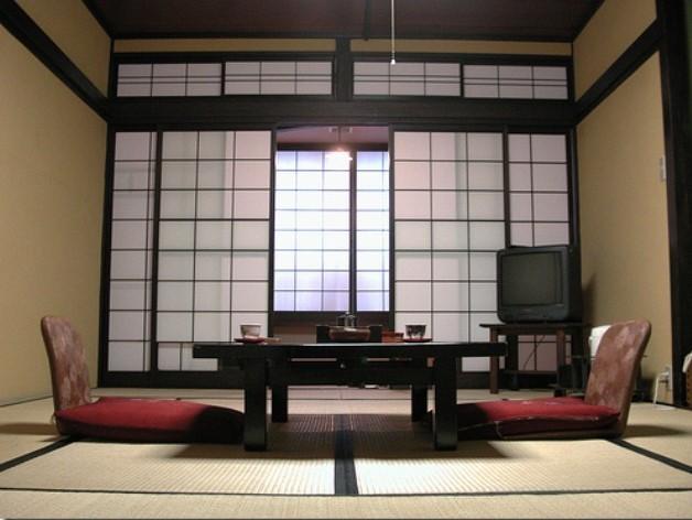 Desain Ruang Tamu Tanpa Kursi  desain ruang tamu tanpa kursi untuk maksimalkan luas rumah